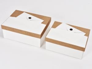 set 2 scatole con lettera bianca