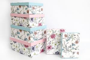 scatole colorate con fantasia fiori