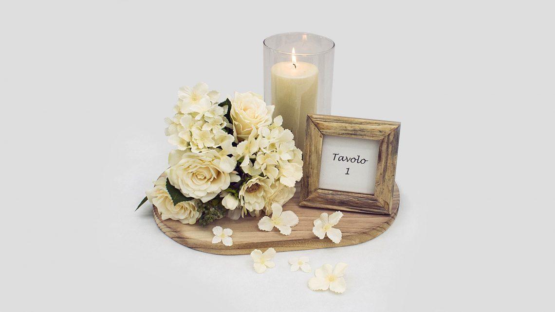 Centrotavola Romantico Fai da Te con fiori e candela.