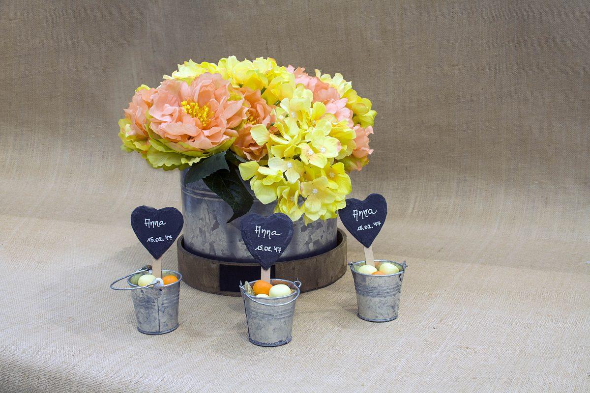 Centrotavola Fai Da Te Con Ortensie : Centrotavola floreale con confetti fai da te incartare