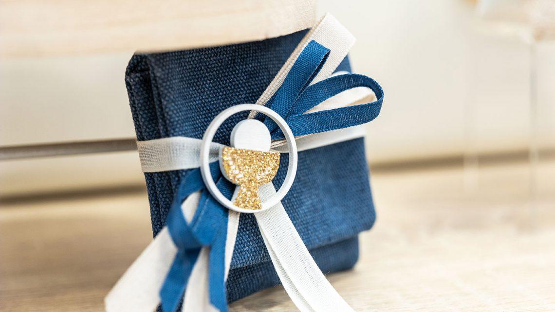 incartare_bomboniere_prima-comunione_2021_sacchetti-jeans