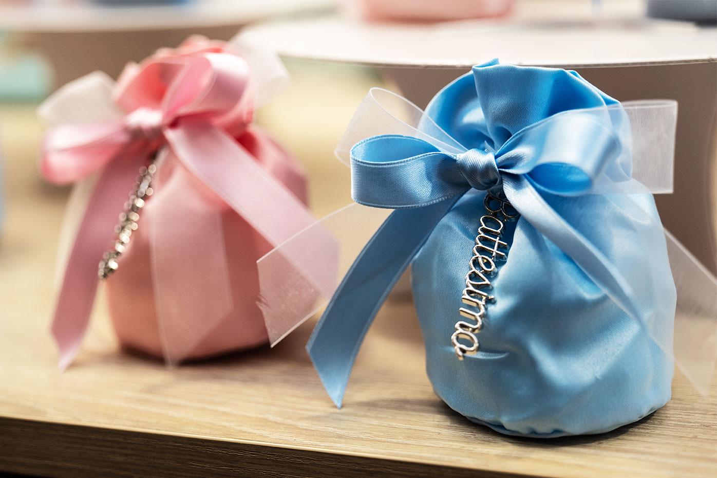 Sacchetti portaconfetti in rosa e azzurro