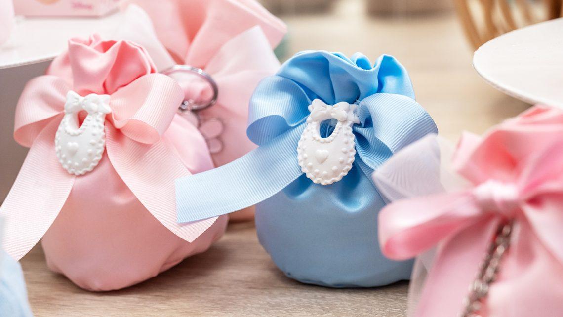 Sacchetti portaconfetti in azzurro e rosa per battesimi e nascite