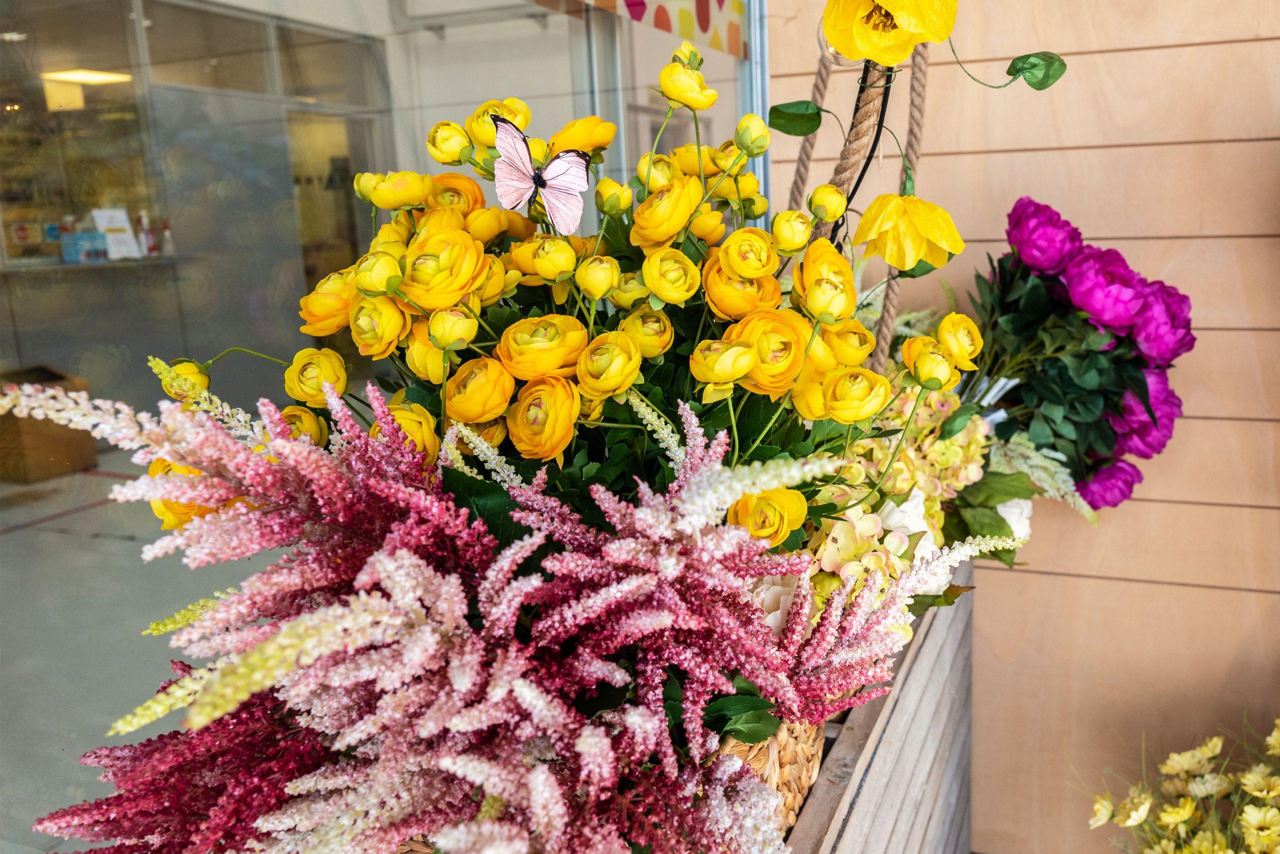 incartare_piante-fiori-finti_allestimenti-vetrine1