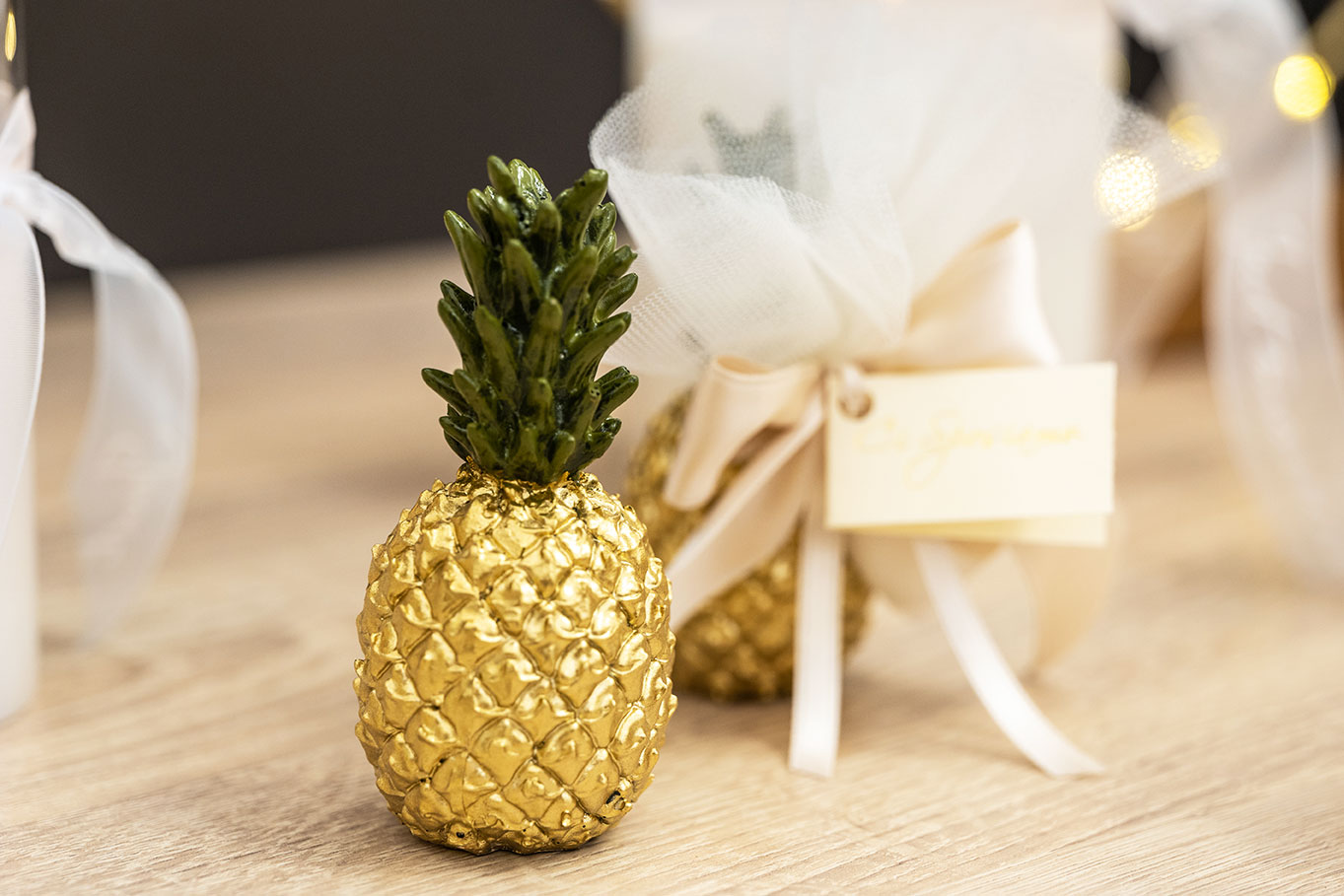 Ananas-dorata---Bomboniere-per-matrimonio-2021,-allestimenti-raffinati-e-confettate-golose-per-un-matrimonio-elegante-e-indimenticabile