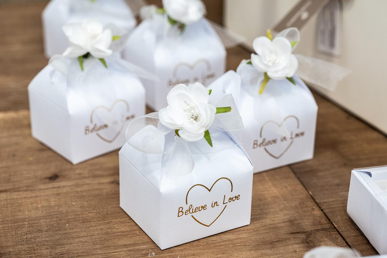 Confettata-Scatoline portaconfetti Idee-di-allestimento-per-matrimonio-bomboniere-e-accessori-per-celebrare-con-stile