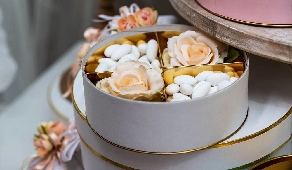 ConfettiIdee-di-allestimento-per-matrimonio-bomboniere-e-accessori-per-celebrare-con-stile