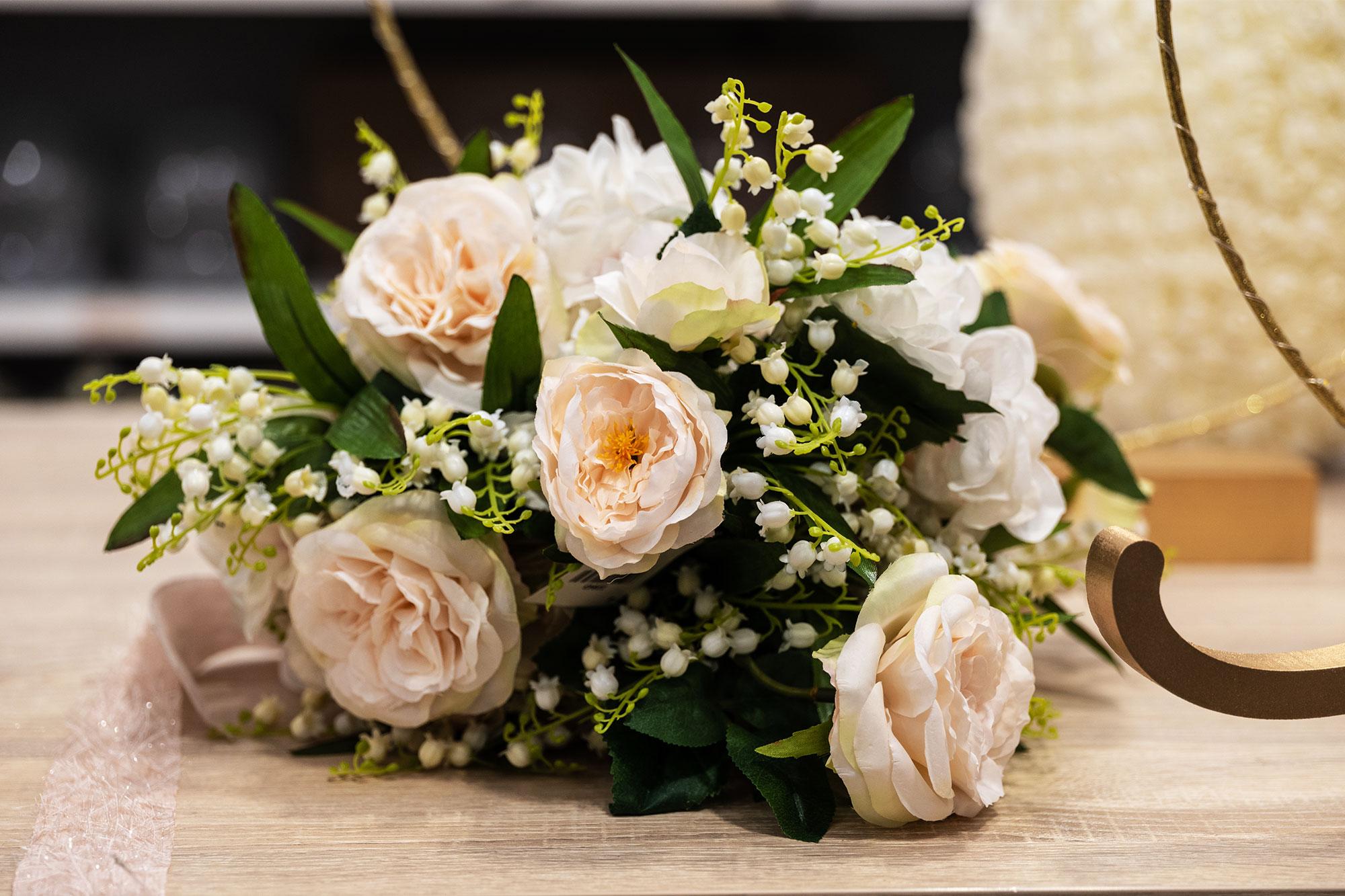 Fiori--Idee-di-allestimento-per-matrimonio-bomboniere-e-accessori-per-celebrare-con-stile