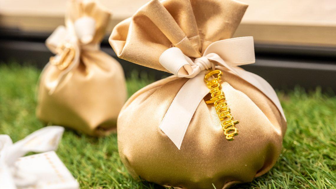 Sacchetto portaconfetti Chanel, Bomboniere per matrimonio 2021, allestimenti raffinati e confettate golose per un matrimonio elegante e indimenticabile6