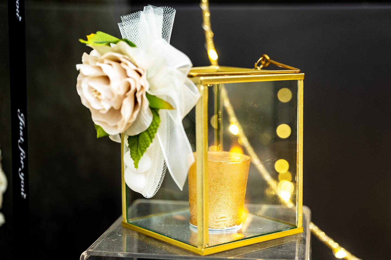 Lanterna dorata - ConfettiIdee di allestimento per matrimonio bomboniere e accessori per celebrare con stile