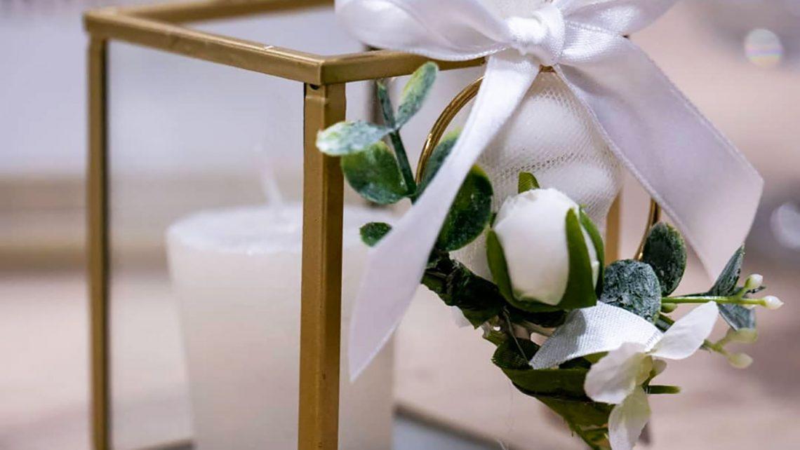 Lanterna-oro-e-vetro---Idde-per-allestimenti-e-confettata-e-le-migliori-bomboniere-per-matrimonio